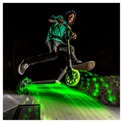 Yvolution Neon Flash Scooter - Green