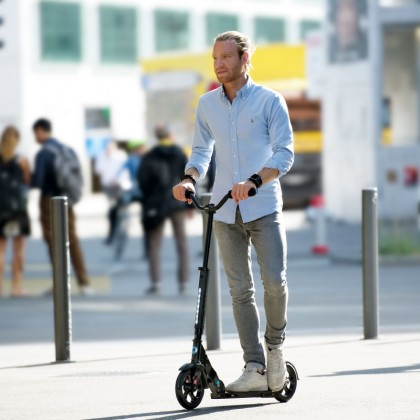 Micro Urban Adult Scooter up to 100 kg - Black